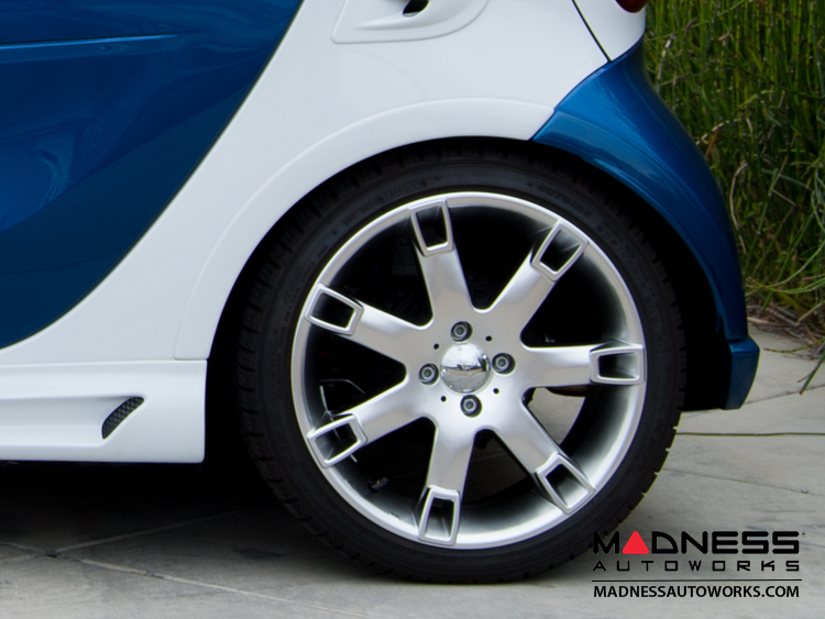 smart fortwo Fender Flare Set - Front & Rear - 453 model - Gloss White/ Gloss Black Tridion