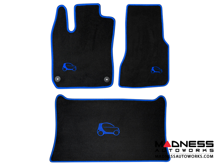 smart fortwo Custom Floor Mats + Cargo Area Mat - 453 model - LUXUS - Blue Binding w/ smart silhouette