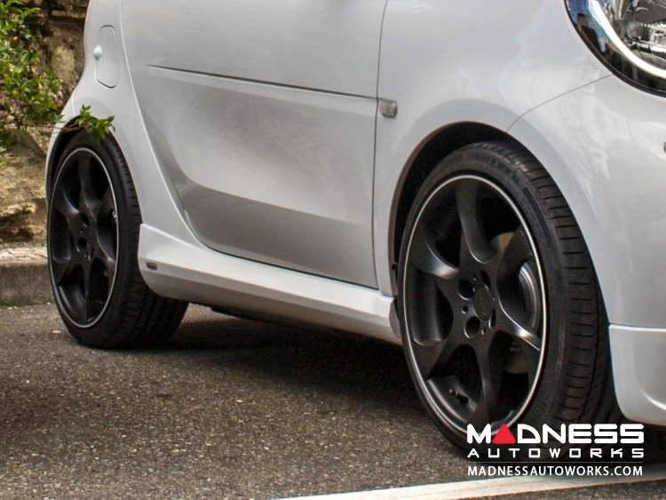 smart fortwo Side Skirt Set by Lorinser - 453 model