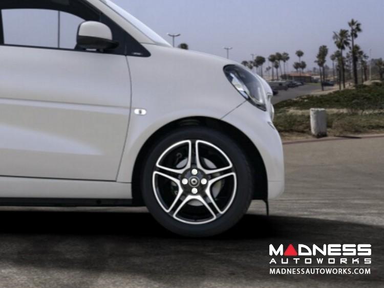 smart fortwo Wheel Bolt Covers - 453 model - White - 17mm (Set of 16)