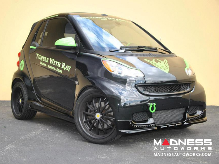 Green accents smart car black