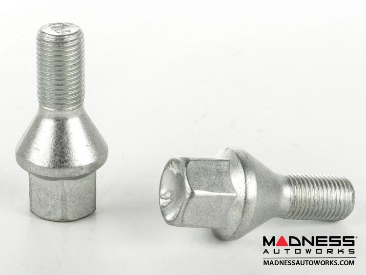 smart fortwo Lug Bolt Set - 453 model - Farad - Set of 16 - M12x1.5 - Ball Seat - Silver Finish