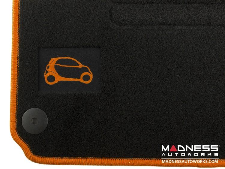 smart fortwo Floor Mats - 453 model - Carpet with Orange Binding