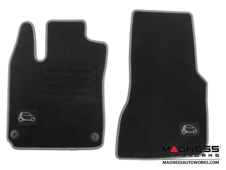 smart fortwo Floor Mats - 453 model - Carpet with Silver Binding