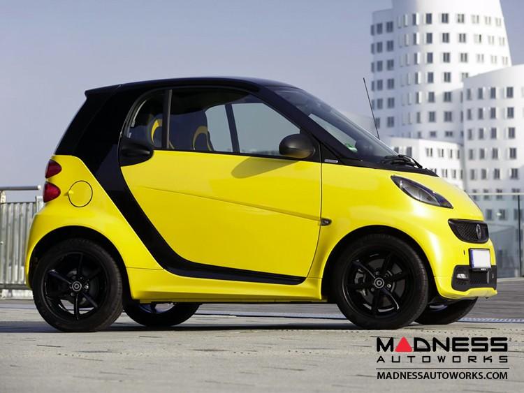 smart fortwo Fuel Door - 451 model - Yellow
