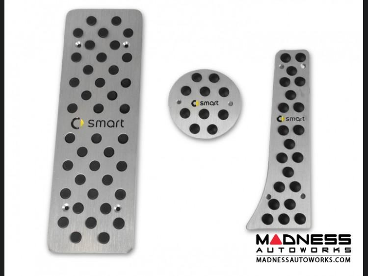 smart fortwo Pedal Set + Footrest - smart Logo - 451 model