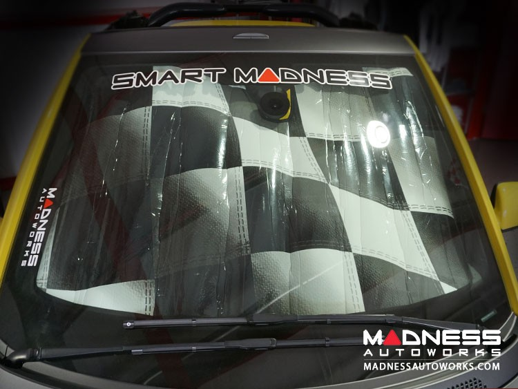 smart fortwo Windshield Custom Sunshade - 451 model - w/ out Rain Sensor - Racing Flag Design