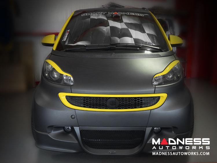smart fortwo Windshield Custom Sunshade - 451 model - w/ out Rain Sensor - Racing Flag Design