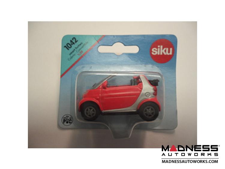 smart fortwo model - 450 Cabrio - Fluorescent Orange - Siku