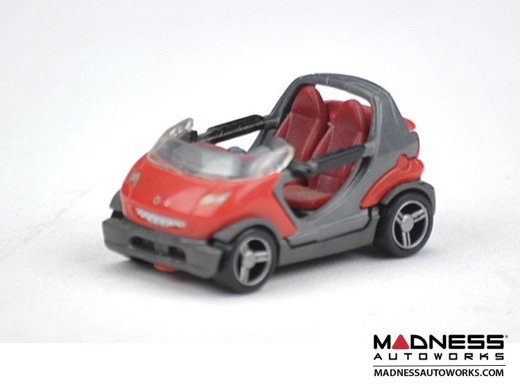 smart fortwo Model (1/72 scale) - Crossblade - Red