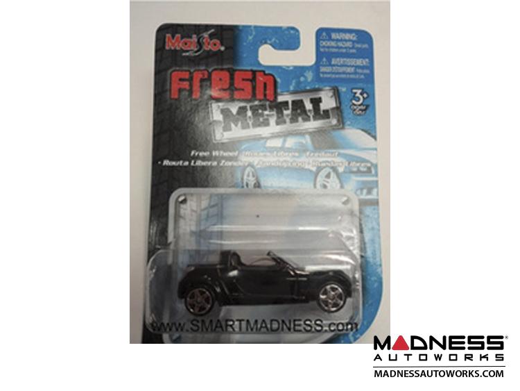 smart Roadster Model Car - Black - Maisto